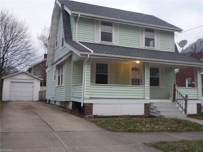 Single Family Home For Sale: 948 Davis St