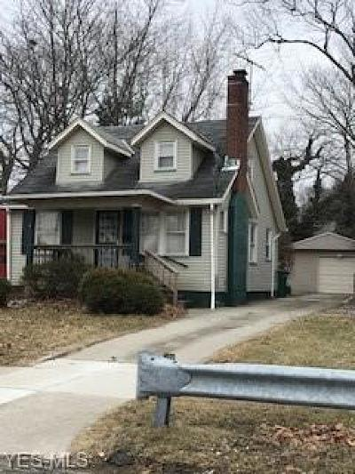 Maple Heights Single Family Home For Sale: 5451 Grasmere Ave