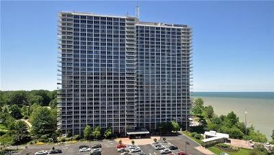 Lakewood Condo/Townhouse For Sale: 12700 Lake Ave #2112