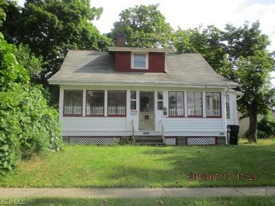 Cleveland Single Family Home For Sale: 14014 Sylvia Ave