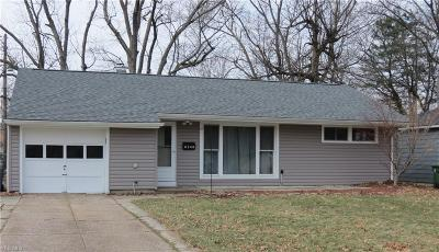 Parma Heights Single Family Home For Sale: 6346 Dellrose Dr