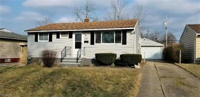 Brook Park Single Family Home For Sale: 6475 Stonecrest Dr
