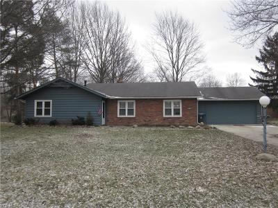 North Ridgeville Single Family Home For Sale: 4945 Shady Moss Ln