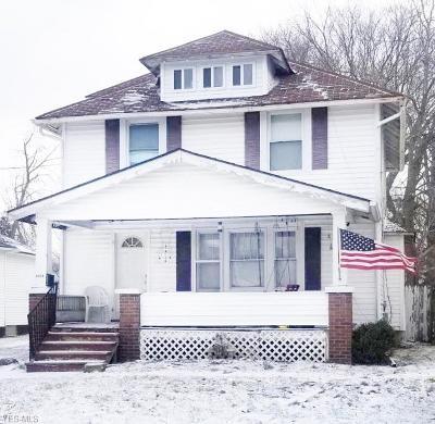 Lorain Single Family Home For Sale: 1815 Oakdale Ave