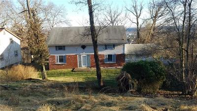 Belpre Single Family Home For Sale: 2505 Valley View Dr