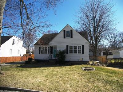 Elyria OH Single Family Home For Sale: $129,000