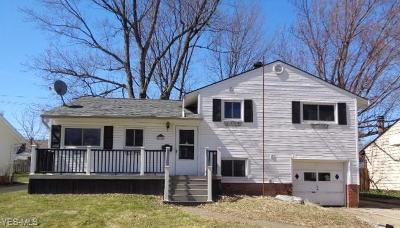 Parma Heights Single Family Home For Sale: 5930 Doxmere Dr