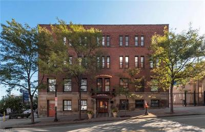 Condo/Townhouse For Sale: 1133 West 9th St #306