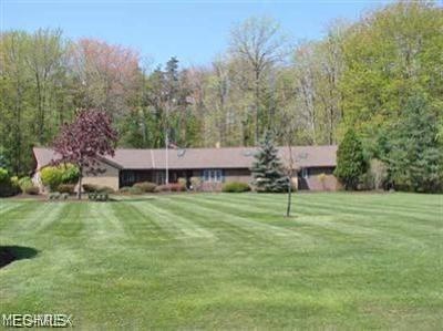 Willoughby Hills Single Family Home Contingent: 2960 Millgate Dr