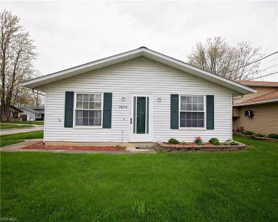 North Ridgeville Single Family Home For Sale: 35176 Oak St