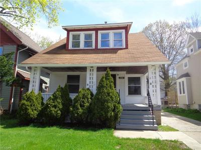 Lakewood Single Family Home For Sale: 1613 Cordova Ave