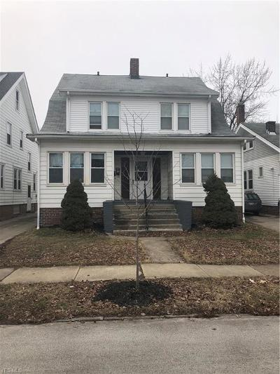 Lakewood Multi Family Home For Sale: 2040 Marlowe Ave