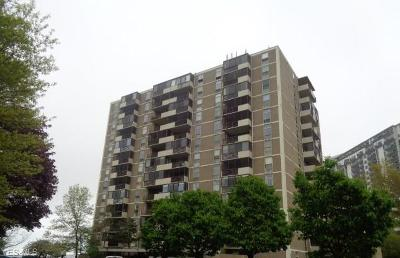 Euclid Condo/Townhouse For Sale: 25801 Lakeshore Blvd #42