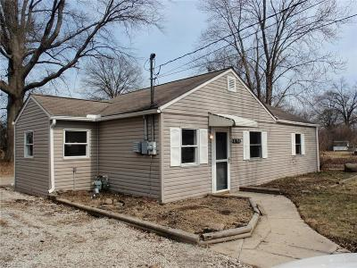 Elyria Single Family Home For Sale: 41780 Blanche Ave