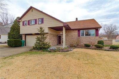 Conneaut Single Family Home For Sale: 1039 Golfview Dr