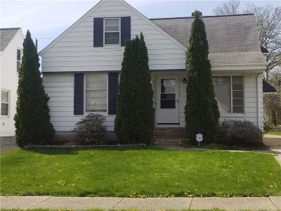 Garfield Heights Single Family Home For Sale: 12308 Darlington Ave