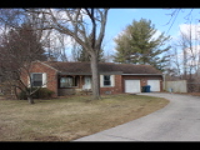 Fairview Park Single Family Home For Sale: 5820 Rockport Ln