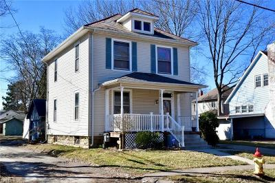 Single Family Home For Sale: 1321 Hazel Ave