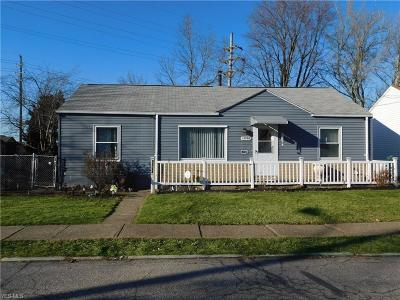 Cleveland Single Family Home For Sale: 13704 Carrington Ave