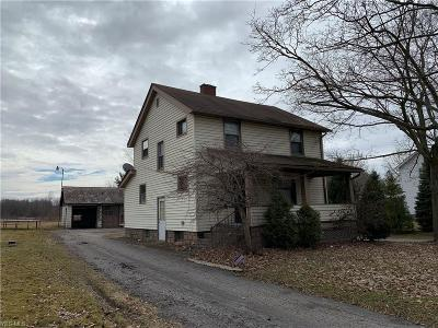 Girard Single Family Home For Sale: 869 Tibbets Wick Rd