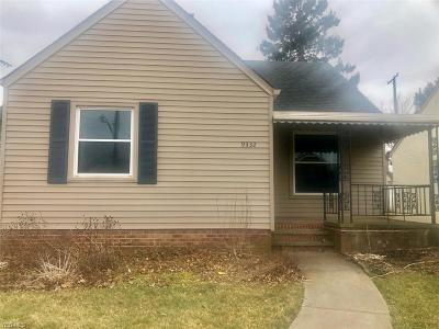 Garfield Heights Single Family Home For Sale: 9332 South Highland Ave
