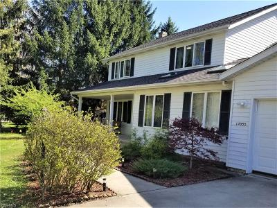 Middleburg Heights Single Family Home For Sale: 13355 Mohawk Trl