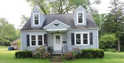 Hubbard OH Single Family Home For Sale: $68,000