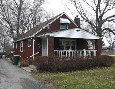 Youngstown Single Family Home For Sale: 2762 South Canfield Niles Rd