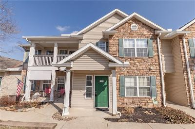 Strongsville Condo/Townhouse For Sale: 14951 Lenox Dr #531
