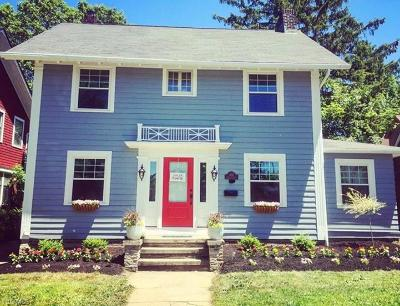 Lakewood Single Family Home For Sale: 1619 Clarence Ave