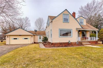 Middleburg Heights Single Family Home For Sale: 17085 Sheldon Rd