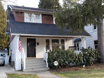 Single Family Home For Sale: 98 Hall Ave