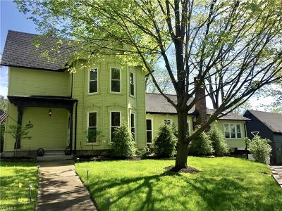Chagrin Falls Single Family Home For Sale: 178 North St