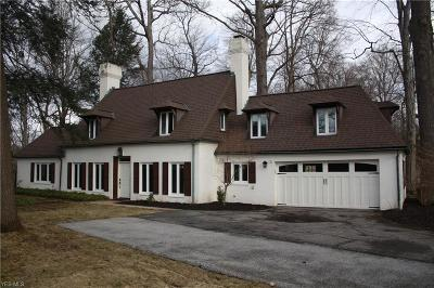 Brecksville Single Family Home Contingent: 7862 Oakhurst Cir