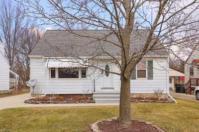 Lorain County Single Family Home For Sale: 534 Berkshire Rd