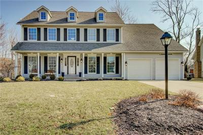 Strongsville Single Family Home For Sale: 18379 Glen Cairn Way
