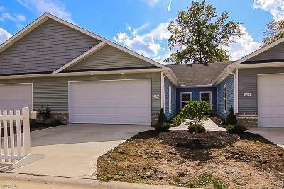 Lorain County Single Family Home For Sale: 318 Deer Crossing