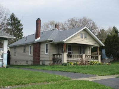 Boardman OH Single Family Home For Sale: $72,900