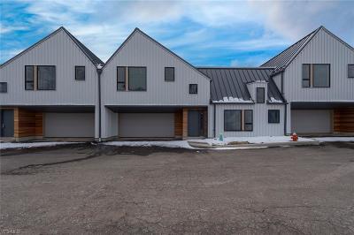 Beachwood Single Family Home For Sale: 2410 Richmond Road #12
