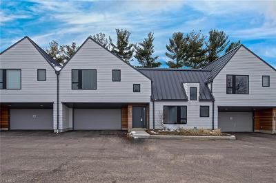 Beachwood Single Family Home For Sale: 2418 Richmond Road #8