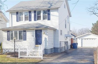 Lorain County Single Family Home For Sale: 198 West 39th St