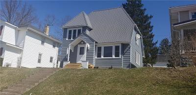 Guernsey County Single Family Home Active Under Contract: 712 Oakland Boulevard