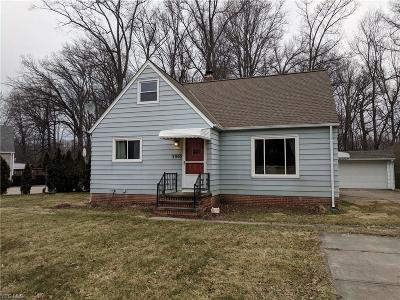North Olmsted Single Family Home For Sale: 3905 Columbia Rd