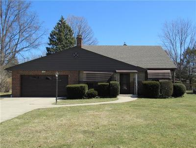 North Olmsted Single Family Home For Sale: 4449 West Ranchview Ave