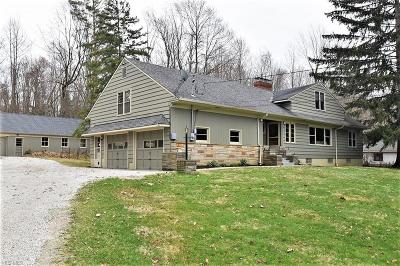 Chagrin Falls Single Family Home For Sale: 17257 Catsden Rd