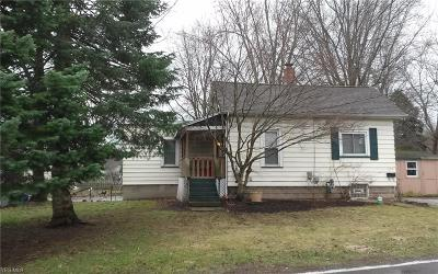 Kent Single Family Home Active Under Contract: 550 Longcoy Avenue
