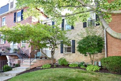 Westlake Condo/Townhouse For Sale: 2000 King James #128