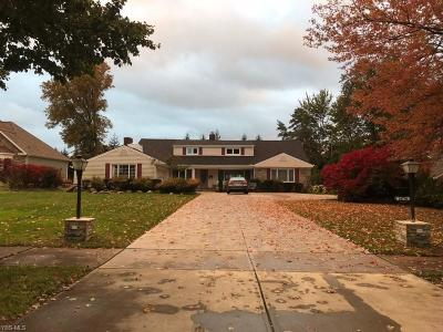 Beachwood Single Family Home For Sale: 24750 South Woodland Rd