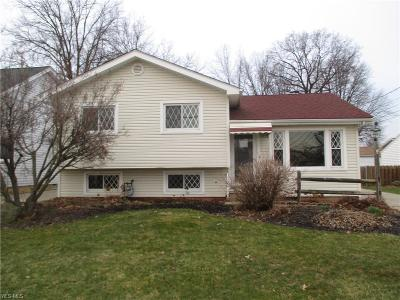 Willowick Single Family Home For Sale: 31800 Daniel Drive