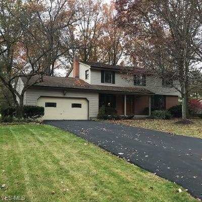 Canfield Single Family Home For Sale: 554 Barbcliff